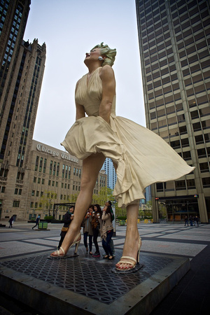 Marilyn and the Tourists - Chicago